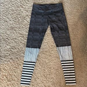Onzie leggings size M/L